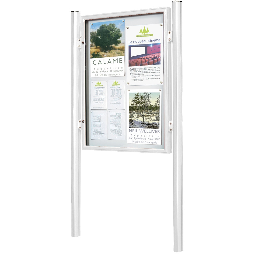 1000 Magnetic Exterior Lockable Notice Board Inc Post Kit