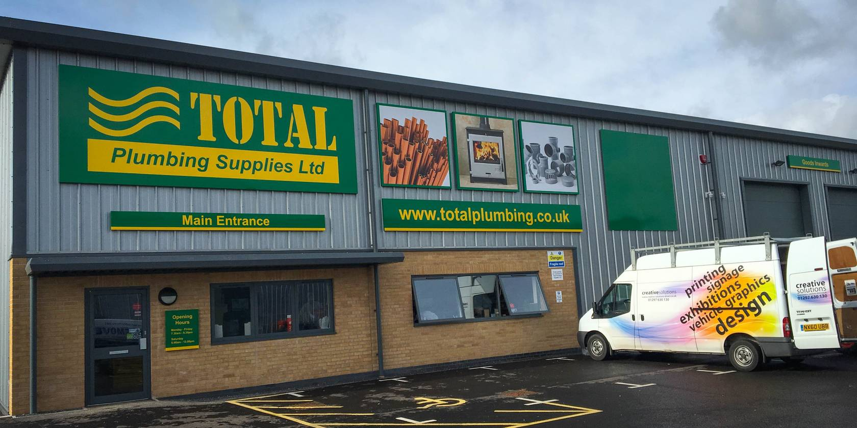 Total Plumbing Supplies Frome Signage