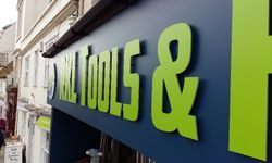 Case Study: Shop Signs for RKL Tools