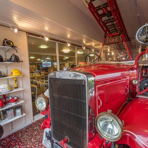 1936 Leyland fire engine at Martin's Bar