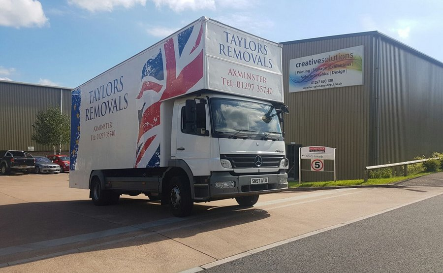 Taylors Removals Signwriting